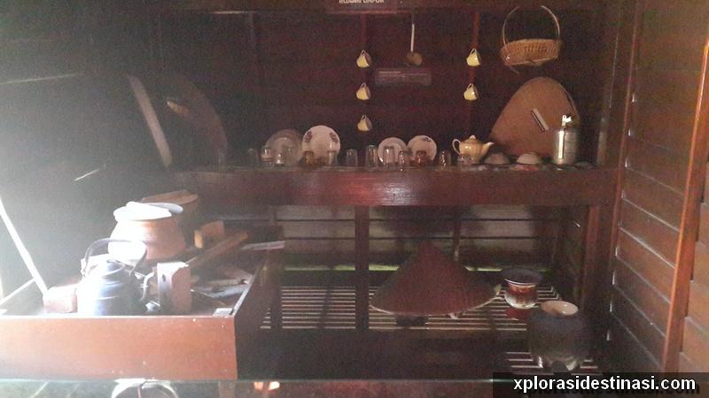 Keadaan ruang dapur rumah P Ramlee