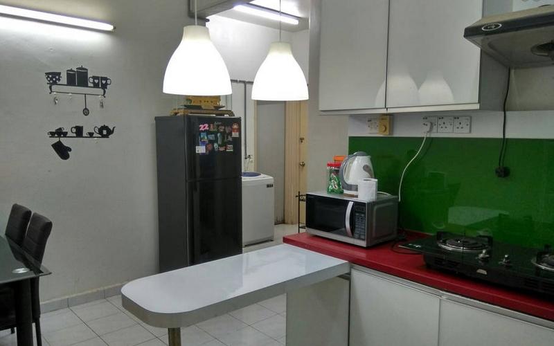 Ruang dapur rumah homestay permatang pauh Penang