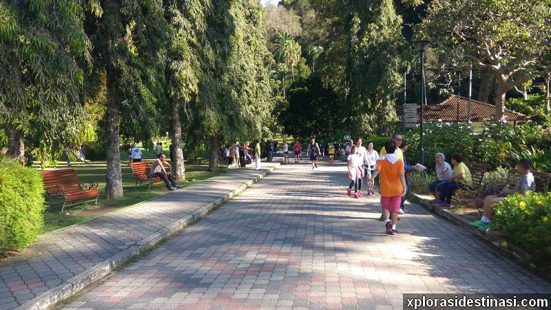Santai rehat selepas berpenat jogging di Taman Botani Pulau Pinang