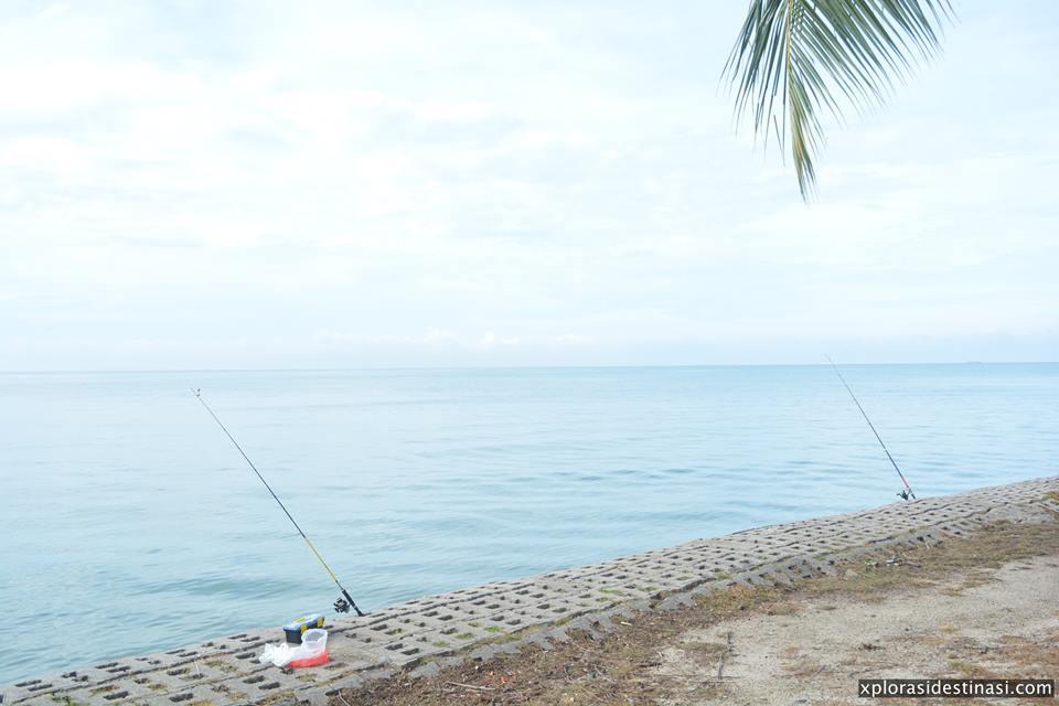 pancing-ikan-di-corus-beach