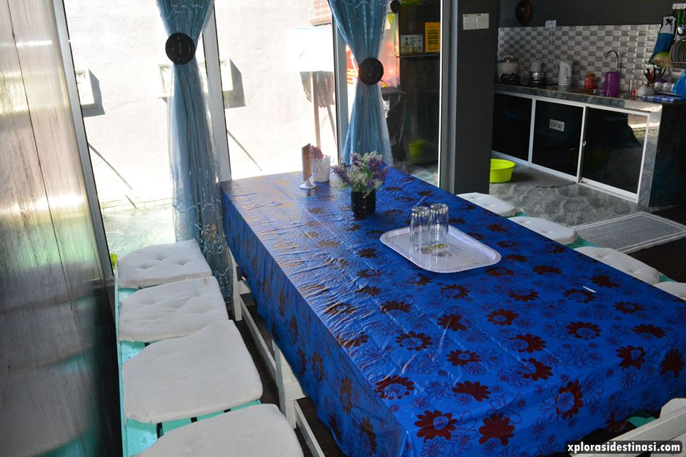 ruang-makan-anjung-pool-villa