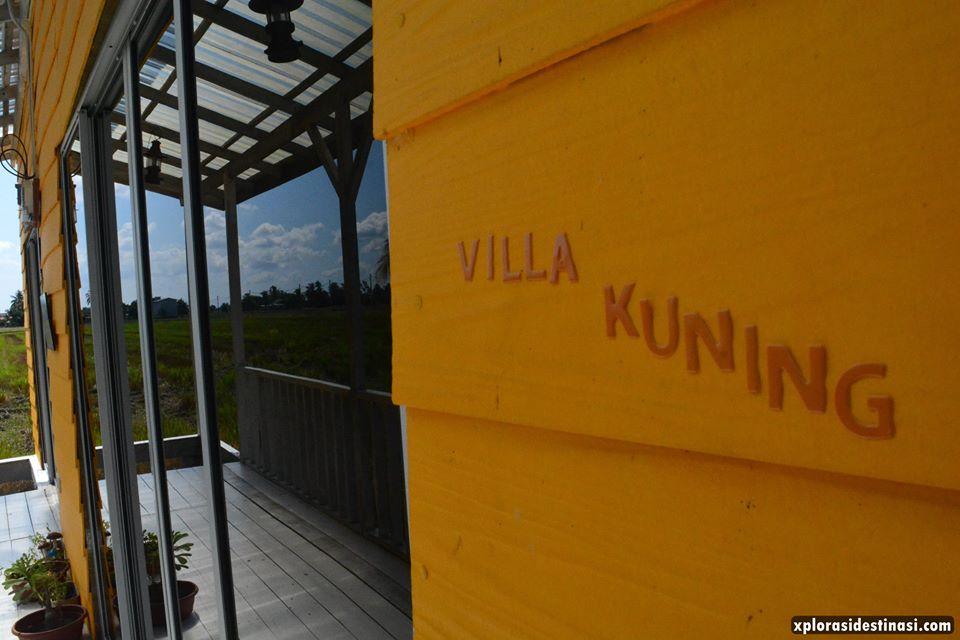 anjung-pool-villa-kuning