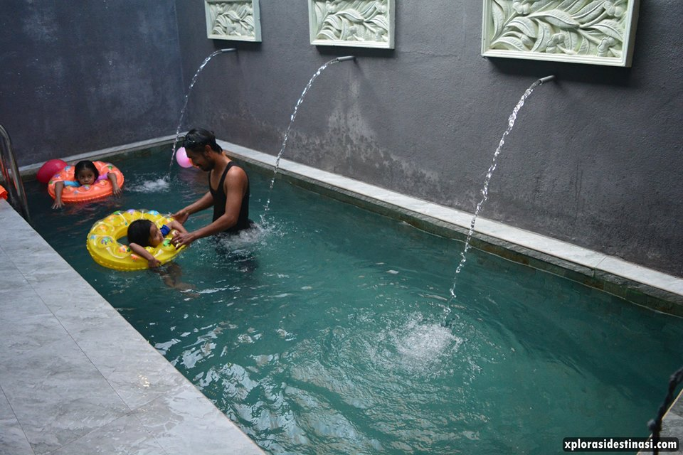 homestay-with-swimming-pool-sekinchan