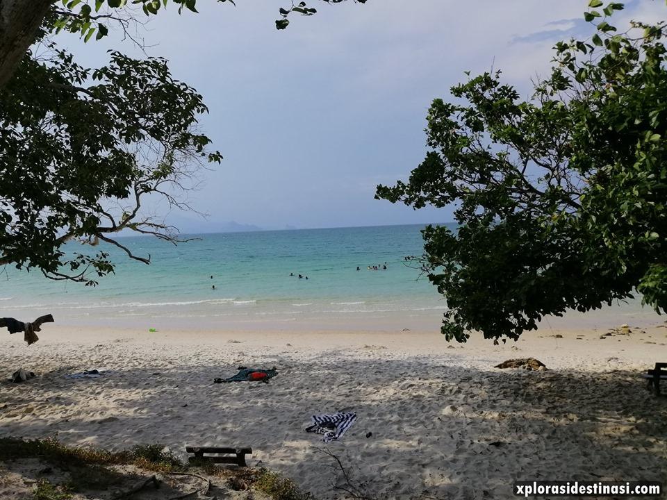 aktiviti-bersama-keluarga-di-pantai