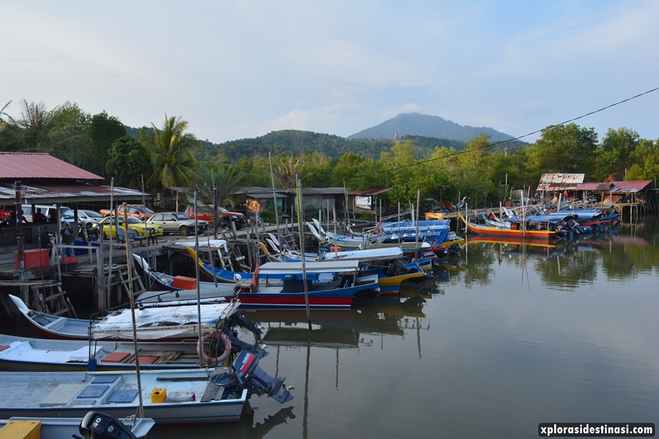 bot-nelayan-berhampiran-restoran