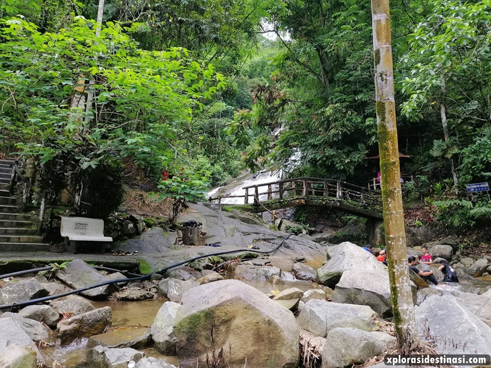 sungai-gabai-waterfall-view
